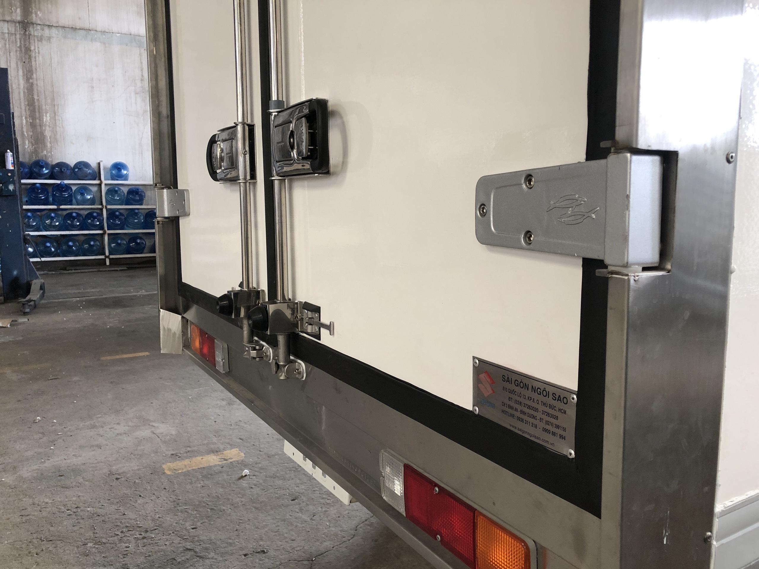 xe tải đông lạnh suzuki (7)