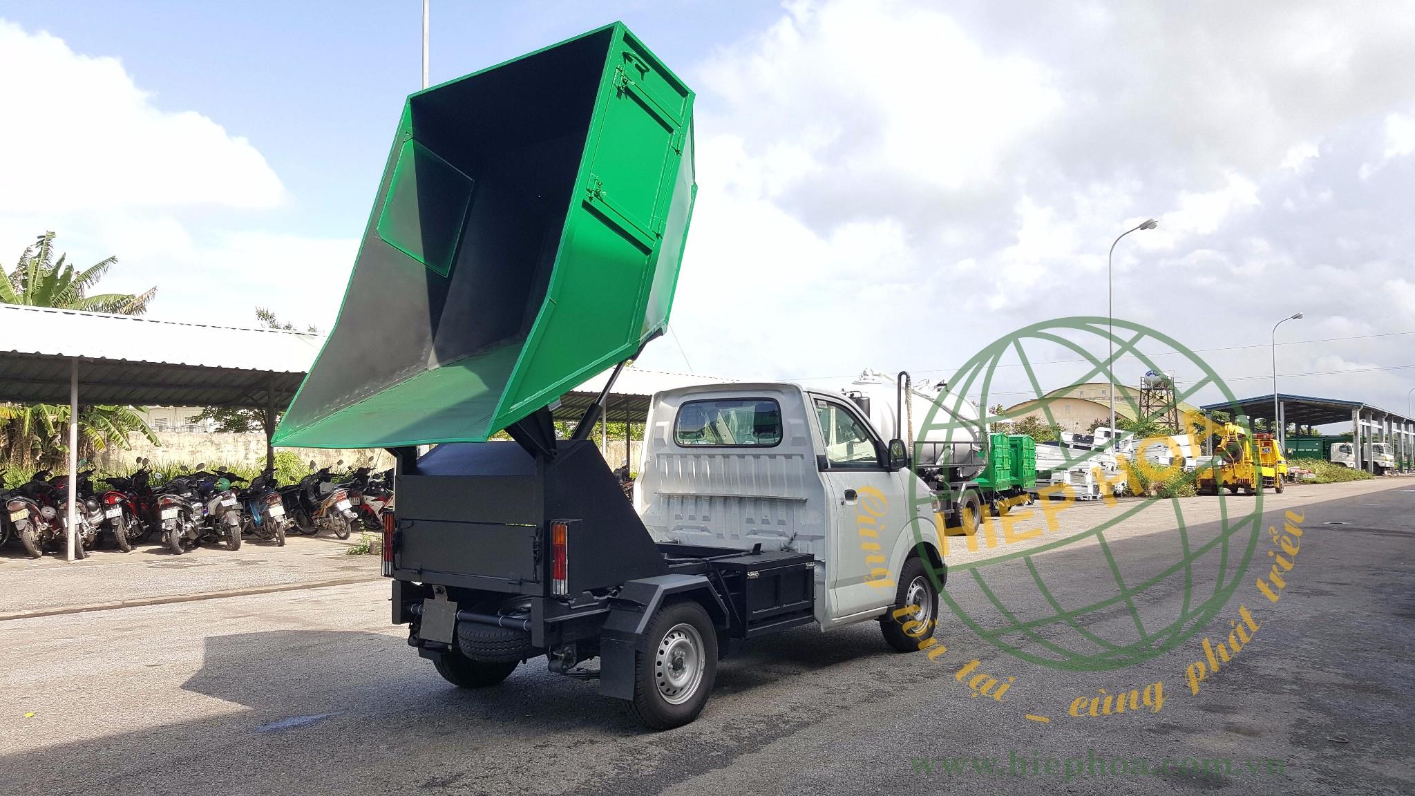 xe ben chở rác