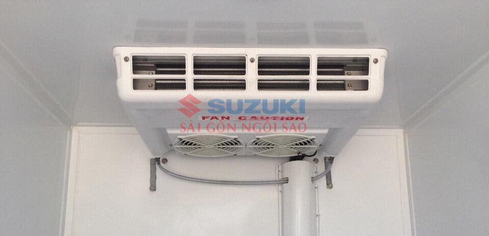 xe tải đông lạnh Suzuki 750kg