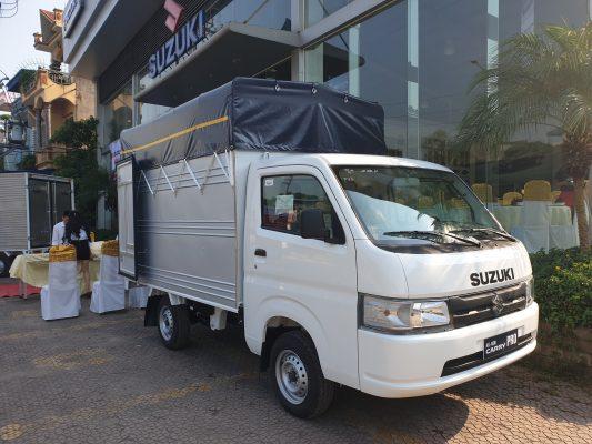 giá xe tải suzuki 810kg thùng mui bạt 2