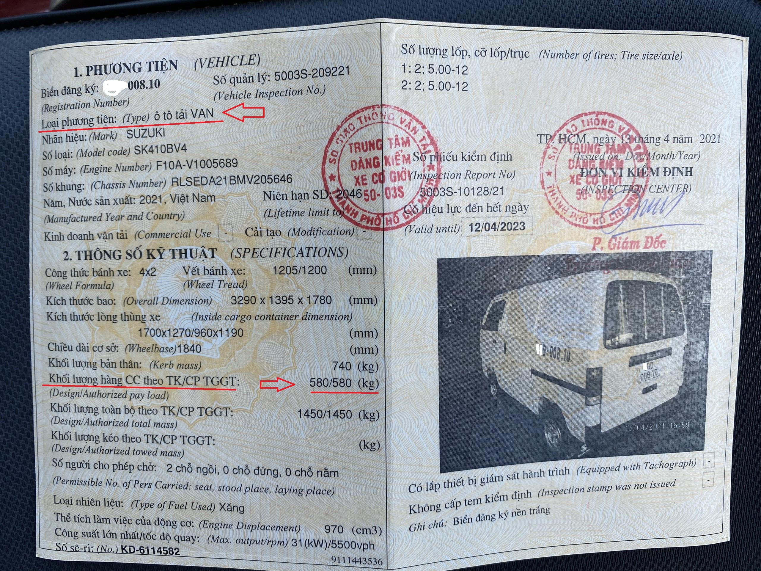 Xe tải Suzuki blind van chạy giờ cấm