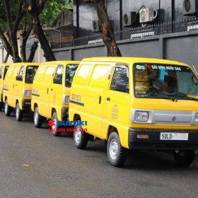 suzuki blind van màu vàng